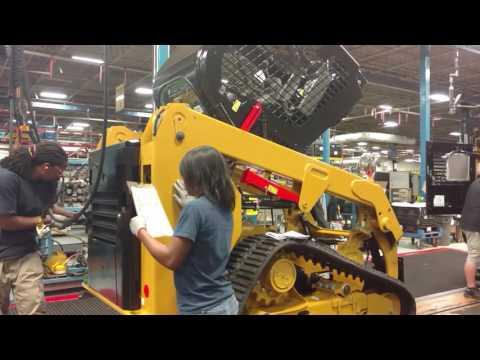 Caterpillar Factory Mannequin Challenge – Cat Skid Steer Loader Assembly Line  #MannequinChallenge
