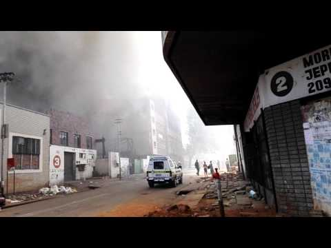 Building burn down in johannesburg