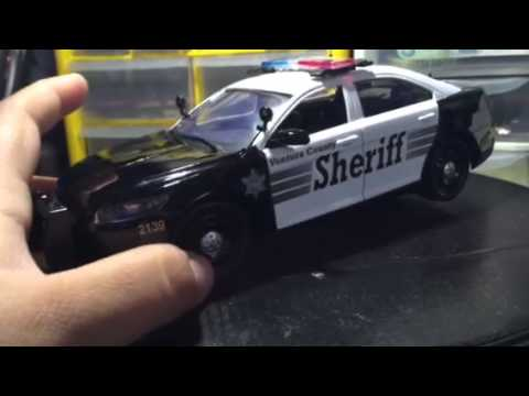 1/24 Ford Taurus police Ventura County Sheriff with lights ...