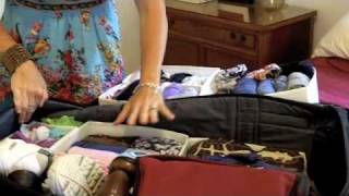 Repeat youtube video Get Simplifized! Pack Your Luggage Like A Pro Quick Tip