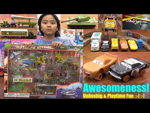 Disney CARS 3 Smash & Crash Derby Playset, Toy Soldiers, Military Toy Vehicles and Trampoline Jump
