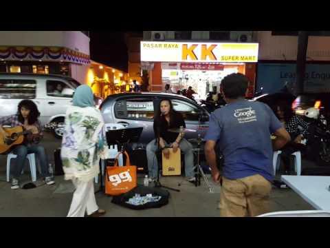 Pregnant 5 month'Kesal' Etta Eric n RockLegend ft Man Keedal