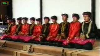 Tari Saman Traditional dance from Aceh / Sumatra