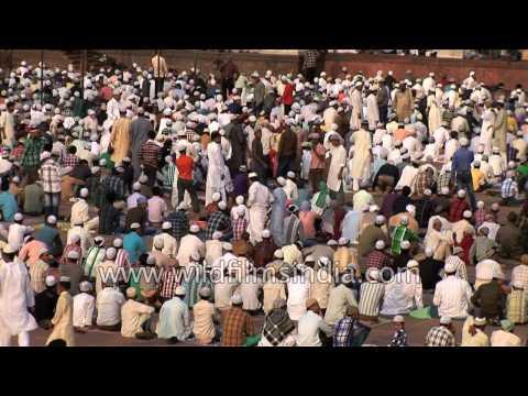 Eid ul Fitr at Jama Masjid - Muslim population prays in Old Delhi