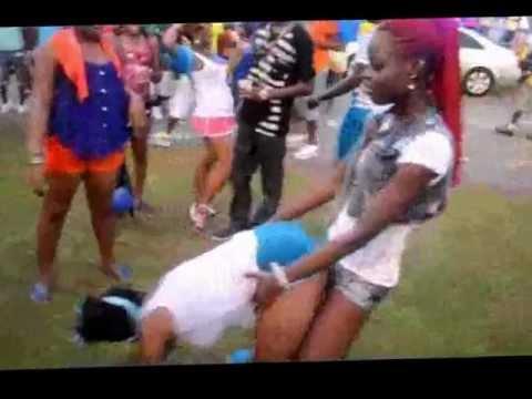 Black Lesbian Fights Chubby Bully Black Straight GirlKaynak: YouTube · Süre: 3 dakika35 saniye