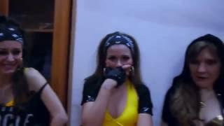 Горячие студентки танцуют тверк в институте  HOT TWERK Dance
