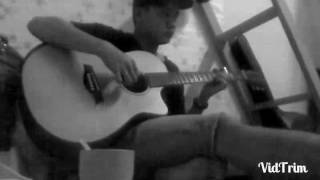 Yêu sau lưng em. Guitar