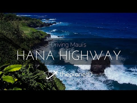 Driving the Hana Highway in Maui Hawaii