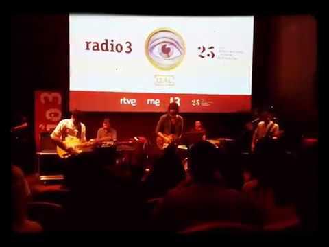 El Pozo - IZAL   (1° directo del tema, para Radio3, Live desde el Museo Thyssen de Madrid, 6/3/2018)