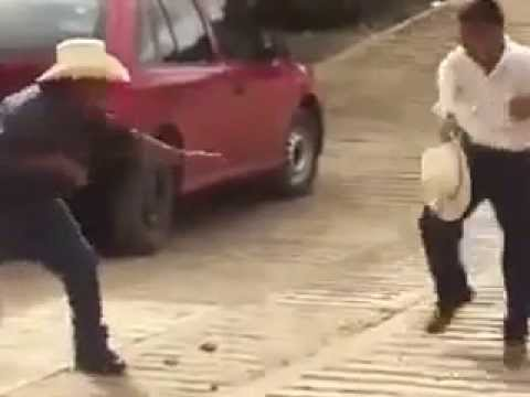 video chistoso /jajaja que chistoso borrachos peleando 1 - YouTube