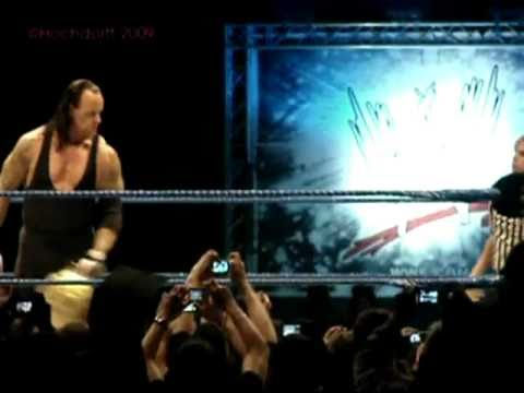 Undertaker Funny Momment With Referee Charles Robinson Over The World Title