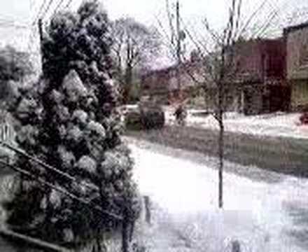 1st snowfall on lansdowne avenue