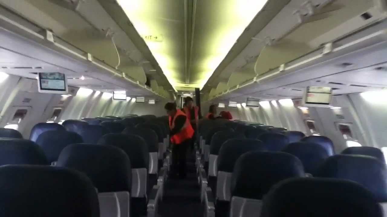 Boeing 737 800 aircraft inside image - Boeing 737 800 Aircraft Inside Image 0