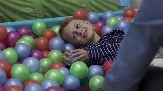 Фильм о том, как можно заниматься с детьми, используя методы прикладного анализа поведения.