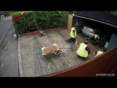 Timelapse of a resin bound driveway installation