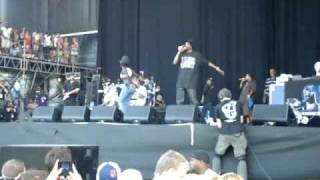 Snoop Dogg & Erykah Badu - La Di Da Di (Bonnaroo 2009)