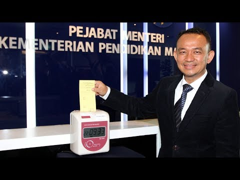 Dr Maszlee: To be religious is not a crime