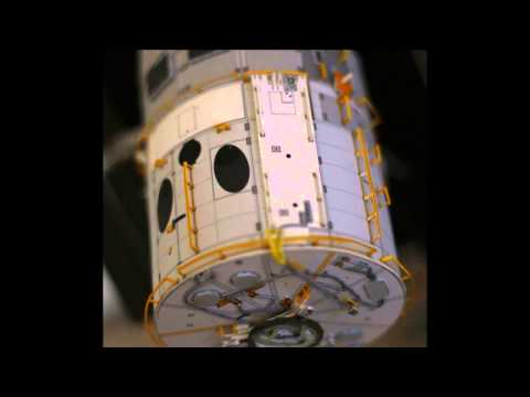 Papercraft Hubble Space Telescope Paper Model