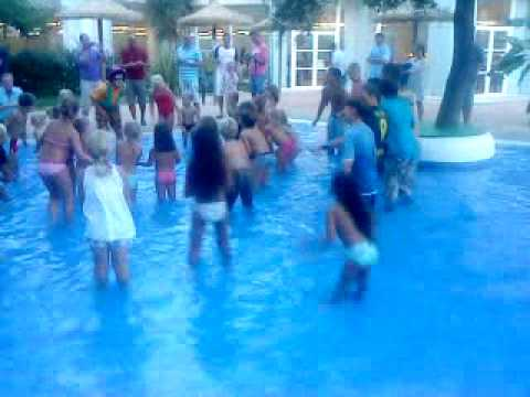 Im schwimmbad jungs kennenlernen