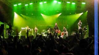 Flogging Molly in Zagreb - Dave King about his mother