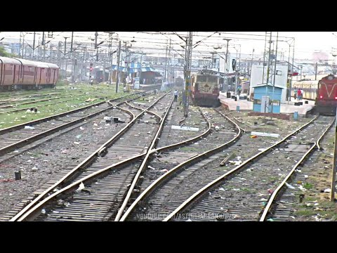 Arriving Allahabad Junction: Showcasing Various Class Of locomotives, Parallel Action & More..!!