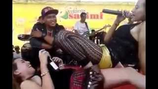 hot video dangdut koplo Uut Selly Ft Nia Jovanka hot videos Dangdut Koplo Hot goyang nungging
