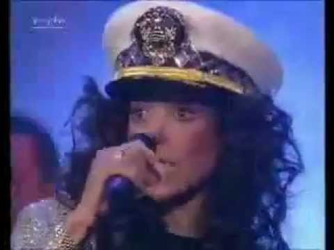 La Toya Jackson - Wanna Be Startin' Somethin' (Live)