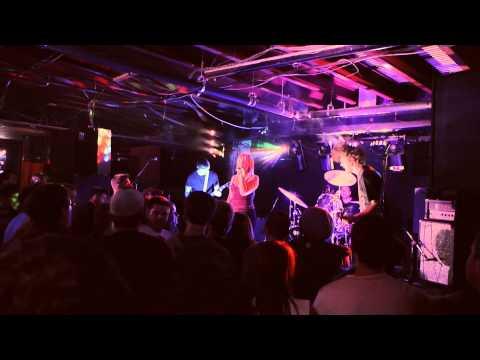 The Suppliers - Dark Horse (Live)