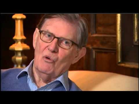 """Eurobore"" Bill Cash shows off his tax payer funded home and moat"