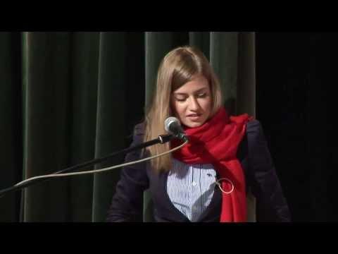 """7 pádů HD: Emma Smetana """"Aïcha"""" Live (v Paláci Akropolis)"""