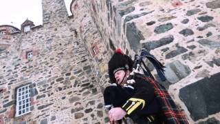 Wedding Piper plays The Garb of Auld Gaul