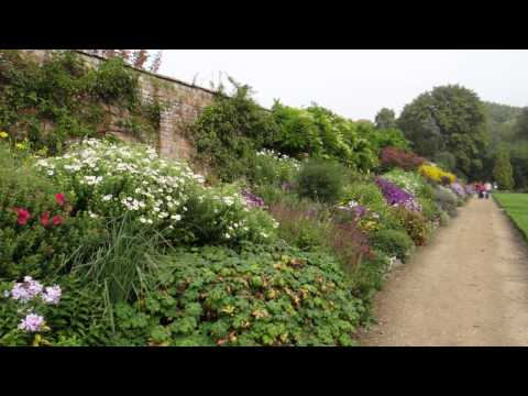 A Year in the Life of the Herbaceous Border at Waterperry Gardens