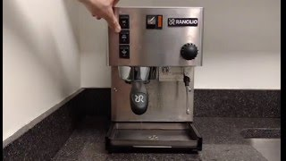 How  clean (back flush) the Rancilio Silvia