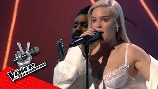Anne-Marie brengt haar laatste single 'Heavy' | Liveshows | The Voice van Vlaanderen | VTM