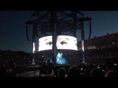 Adele - Hello - Live in Auckland 23-03-2017
