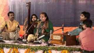 Pandit Channulal Mishra sings in Varanasi - Part 1