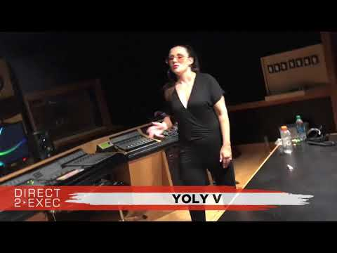 Yoly V (@YolyV1) Performs at Direct 2 Exec Los Angeles 9/12/17 - Atlantic Records