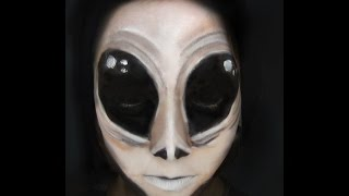 Alien Halloween Scary Makeup Tutorial | Primp Powder Pout Thumbnail