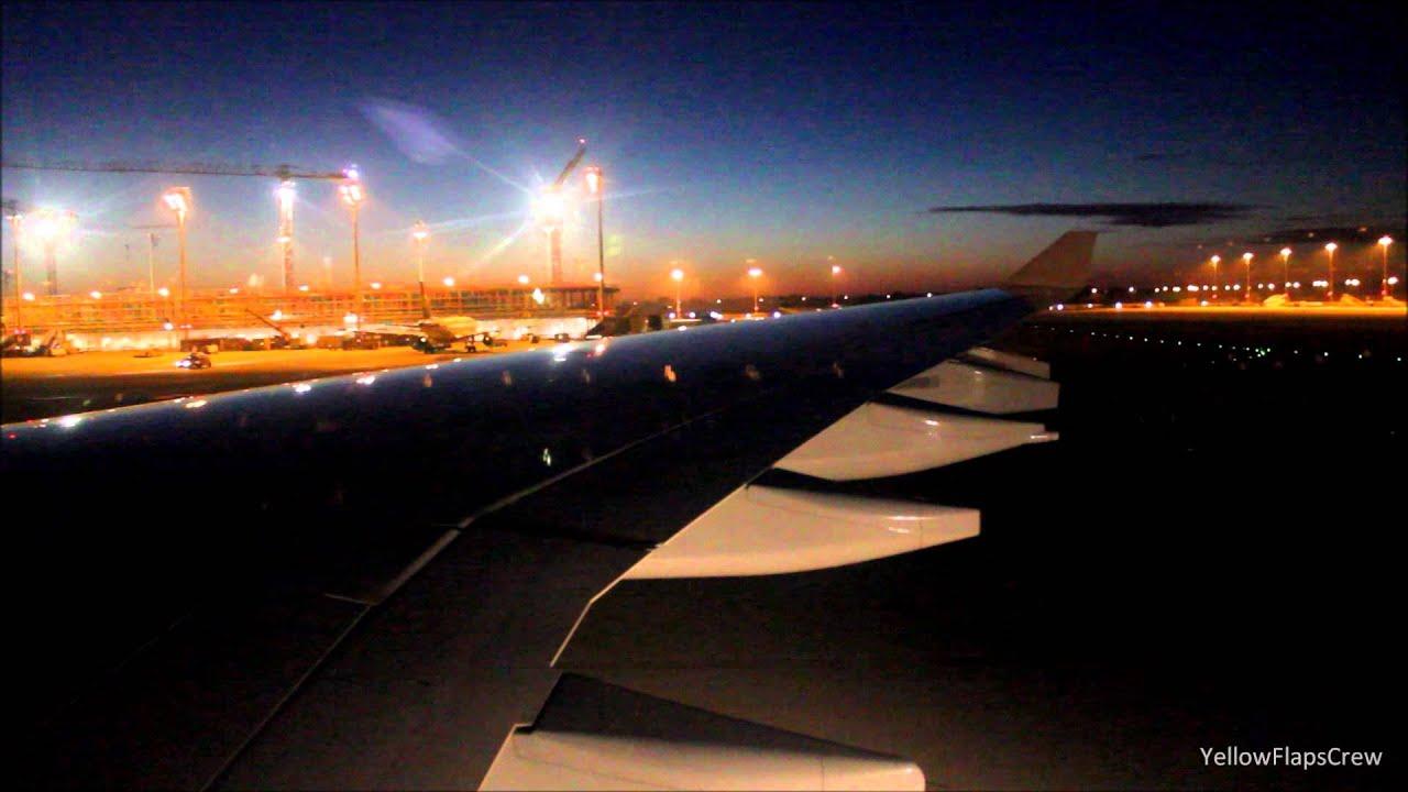 lufthansa airbus a340-600 (d-aihw) night landing at munich airport