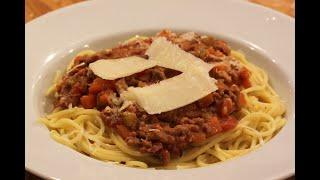 Spaghetti bolognese - classic recipe for ragu alla bolognese