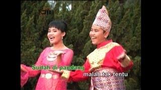Selayang Pandang - Vito & Thania