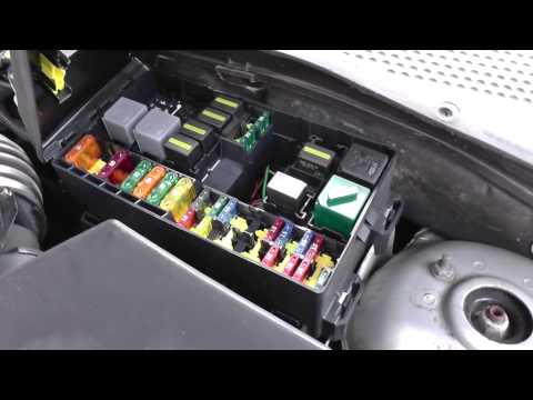 Ford Focus Fuse & Relay Box Location Video