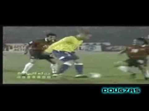 Ronaldo (R9) v (CR7) Cristiano Ronaldo [by Doug7as]