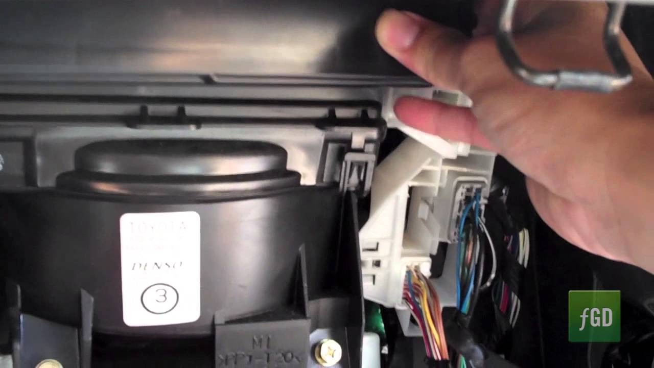 Pontiac Vibe Fuse Box Location 2004