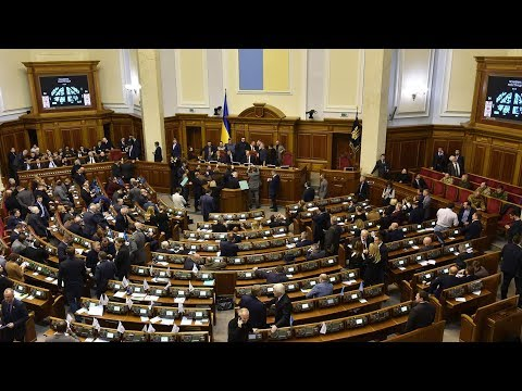 Moscow and Kiev exchange warnings over tightening tensions
