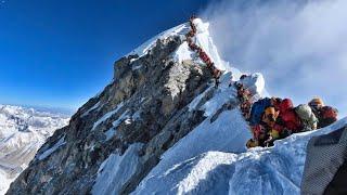 Am Mount Everest stauen sich die Bergsteiger