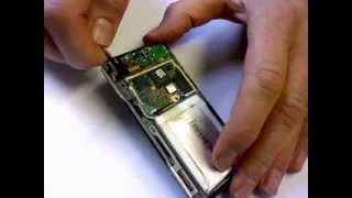 Zune HD Repair   Removing the Motherboard and Battery Waterdamage