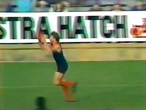 1988 Round 13 Melbourne Vs Carlton at VFL park total of 28 mins on Channel 7