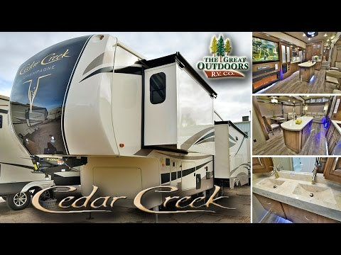 2017 FOREST RIVER CEDAR CREEK CHAMPAGNE 38EL (CC270)
