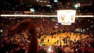 Last Seconds Of The 2015 NBA Finals. The Golden State Warriors Win & Fans Go Crazy!